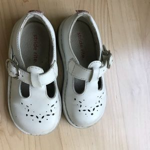 Stride rite girls shoes. Leather